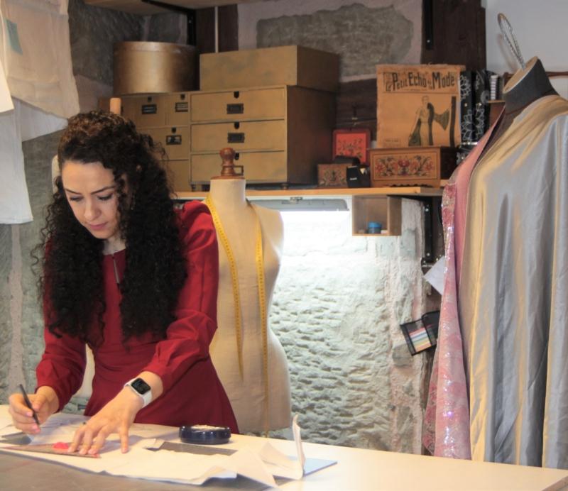 Die Designerin Sadiye Demir in ihrem Atelier.