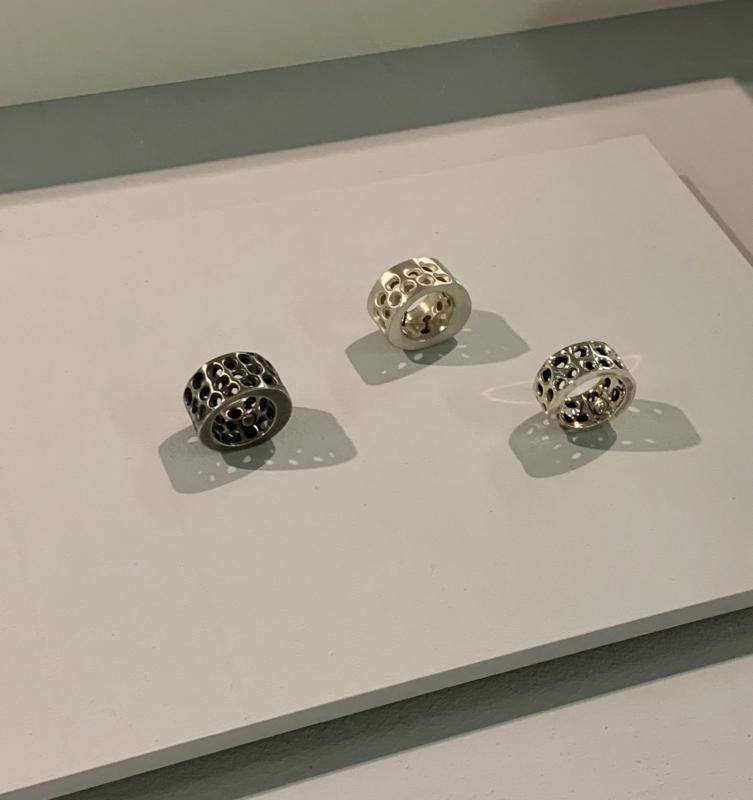 Ringe aus «Hübliblech» von Marion Geissbühler.